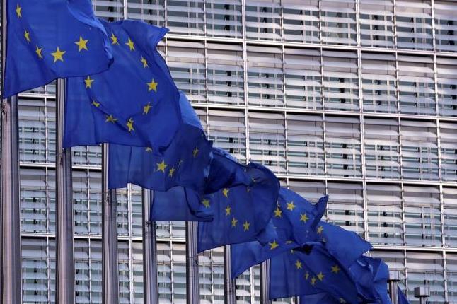 ЕК против карантината за пътуващите и здравните сертификати