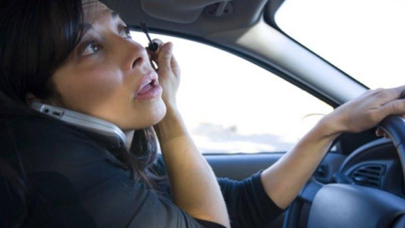 преодоляване на отвличането на вниманието при шофиране
