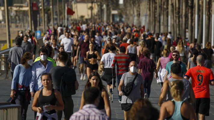 Едва 5,2 на сто от испанците са се срещнали с коронавируса