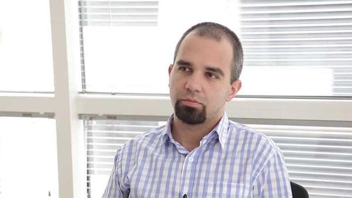 Борисов ще се опита от извънредна ситуация да мине в предизборна, смята Първан Симеонов