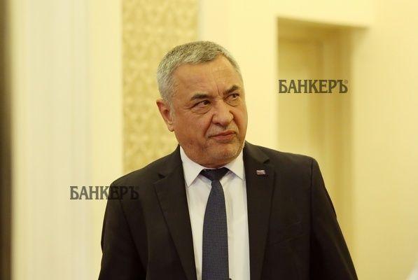 Симеонов: Кой управлява ГЕРБ и защо депутатите му промениха решението на Коалиционния съвет?