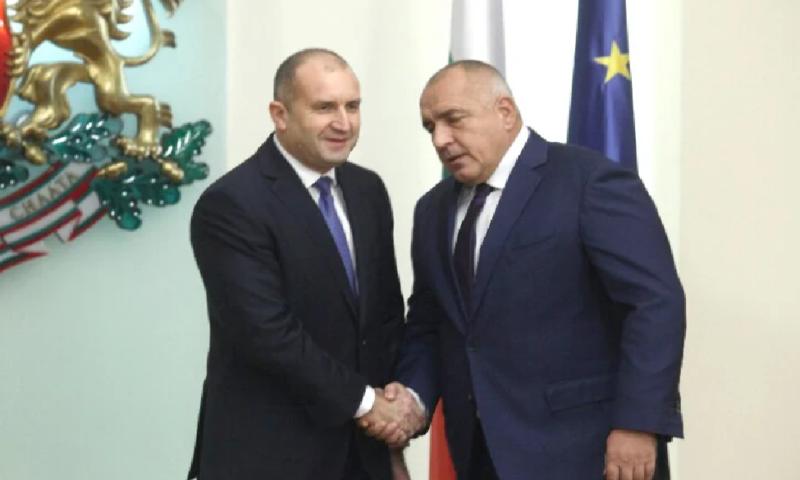 Радев с тревожен коментар за компроматите срещу Борисов!