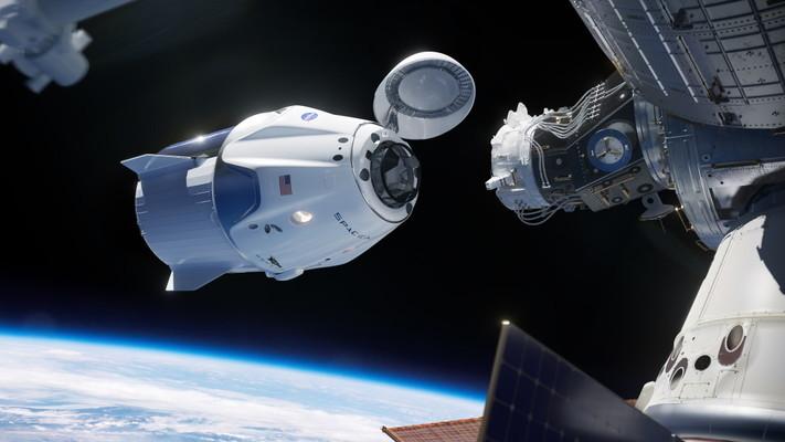 Космическият кораб на SpaceX успешно се скачи с Международната космическа станция
