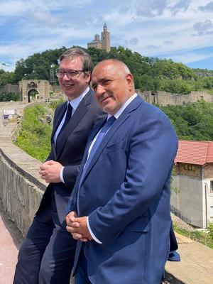 Борисов и Вучич поднесоха цветя пред гроба на цар Калоян