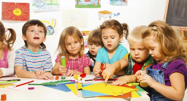 """""""Демократична България"""" представи 2-годишен план за справяне с недостига на места в детските ясли и градини"""
