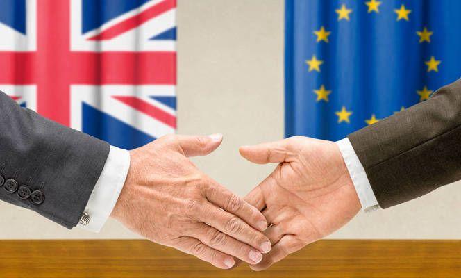 Великобритания въвежда поетапно граничен контрол за стоките от ЕС