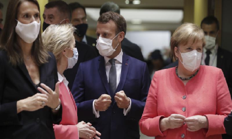 Няма сделка! Евролидерите ще спорят и днес за 750 млрд. евро