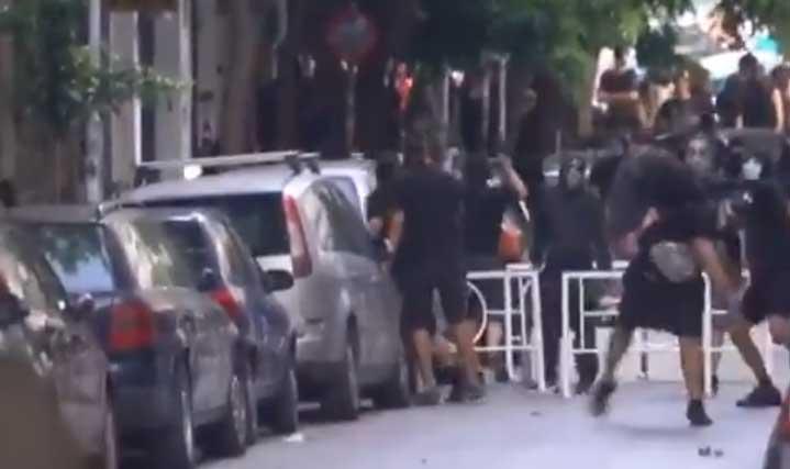 Сълзотворен газ и насилие на протести в над 40 града в Гърция (ВИДЕО)