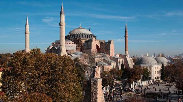 """Църквата """"Св. София"""" в Истанбул ще бъде превърната в джамия"""