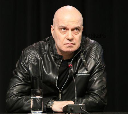 Слави Трифонов ще се закълне като депутат онлайн