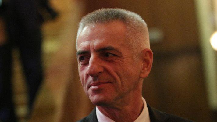 Политическото танго взе главата на ген. Красимир Станчев