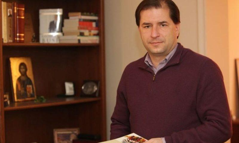 Борислав Цеков: Управляващите печелят политическо време