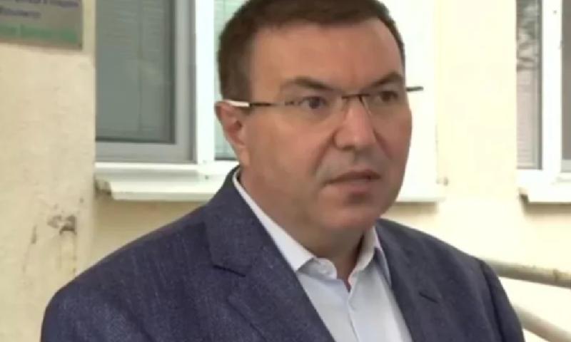 Здравният министър разкри ще се блокират ли пак градове с КПП-та заради К-19