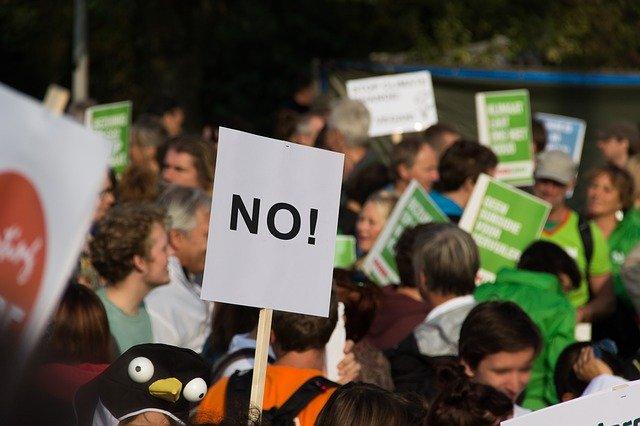 Над 17 000 германци протестират срещу мерките за коронавируса
