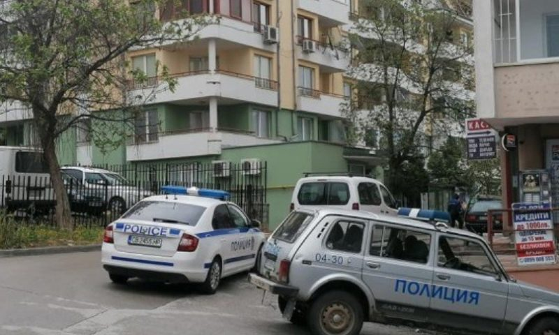 Нещастие! 2-годишно дете падна от третия етаж в Златоград