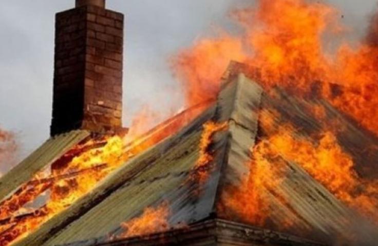 Обор с животни гори в Калояново, Областната пожарна търси доброволци