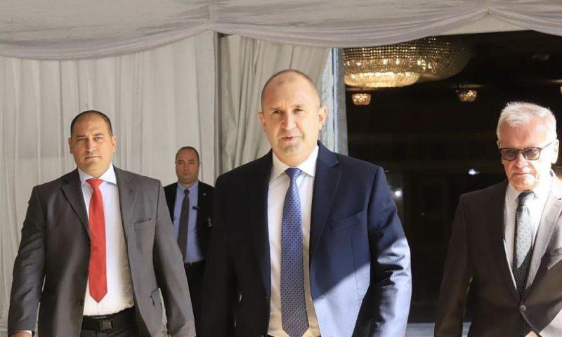 Румен Радев: Министър-председателят не посмя да излезе от илюзорния си свят