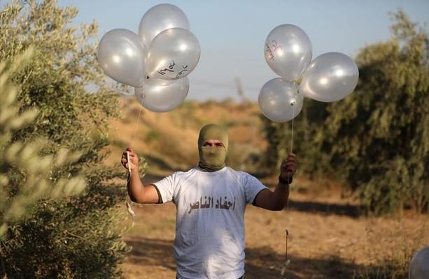 Израел удари Газа в отговор на балонна атака