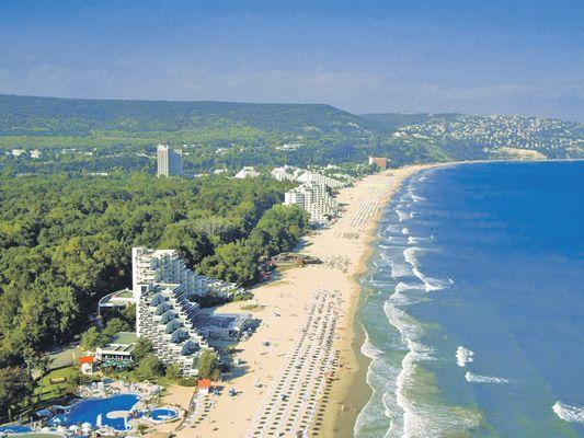 От утре: Без PCR тест и карантина за чешките туристи в България