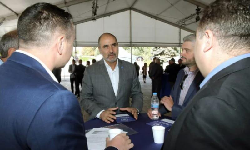 Богати българи от САЩ наливат пари в партията на Цветанов