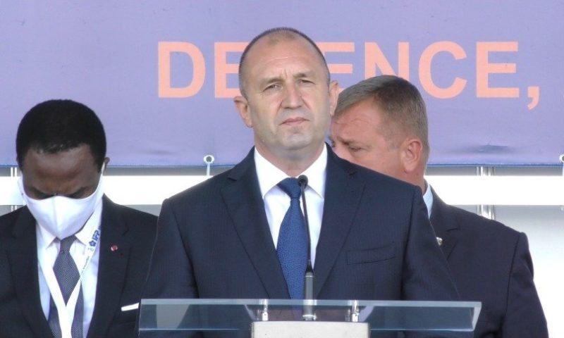 Президентът в Пловдив: Очаквам държавата да подкрепя военната индустрия/ВИДЕО/