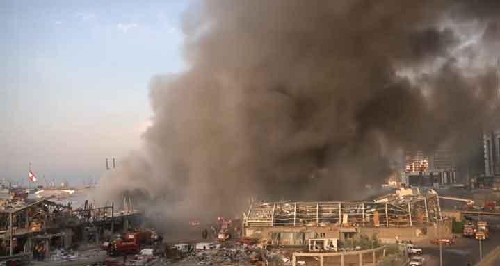 Пристанището на Бейрут отново гори (ВИДЕО)