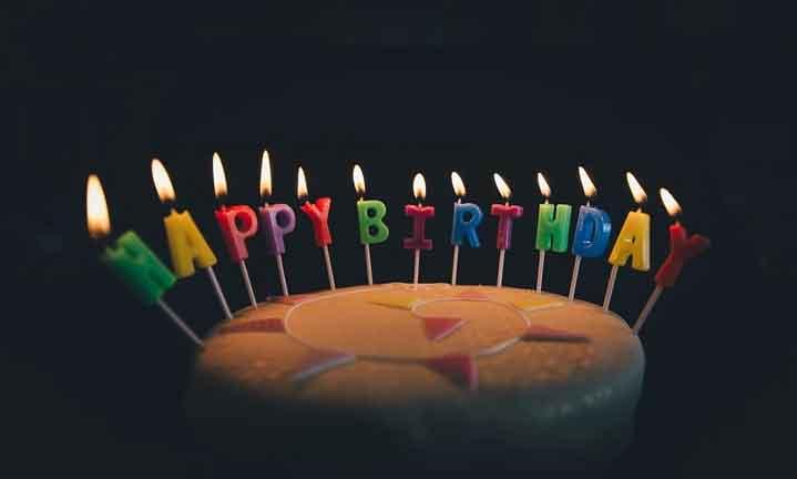 """Учени: Не пейте """"Честит рожден ден"""" по време на пандемия"""