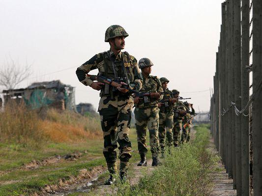Китай и Индия взаимно се обвиниха за престрелка край границата