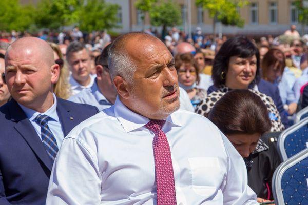 Борисов: Уважавам протестите, но не и когато се хвърлят бомби