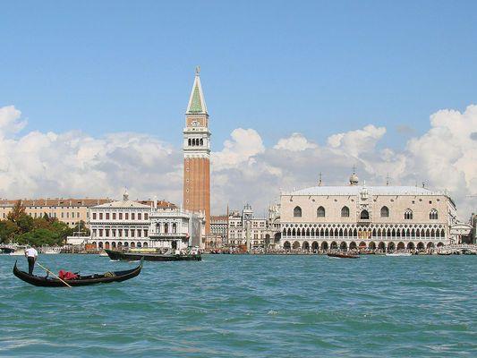 """Американският филм """"Номадландия"""" спечели """"Златен лъв"""" на фестивала във Венеция"""