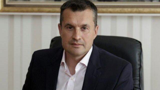 Шефът на кабинета на Радев се разделил с поста си заради участие в тържество на Нинова