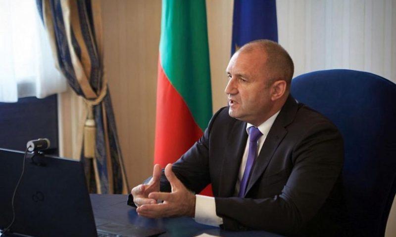 Главният секретар на президента е с COVID-19, Радев се самоизолира