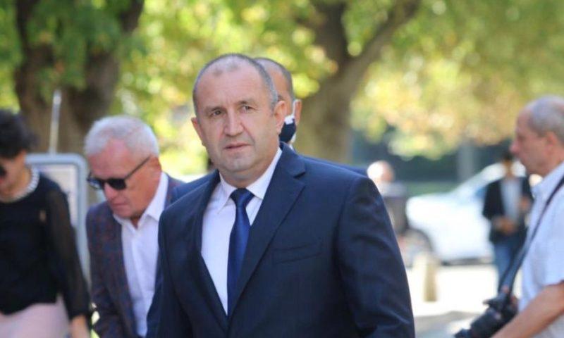 Президентът контактен на шефа на ВBС, слагат го под карантина