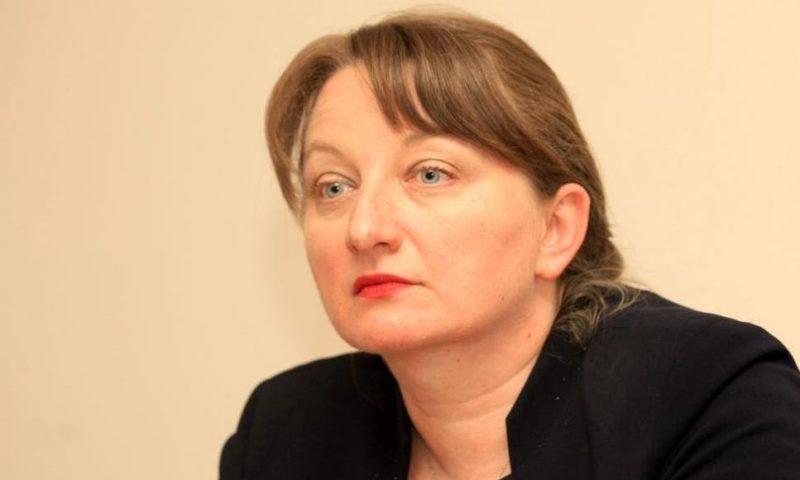 Сачева предлага да отпадне подоходният критерий за детските надбавки