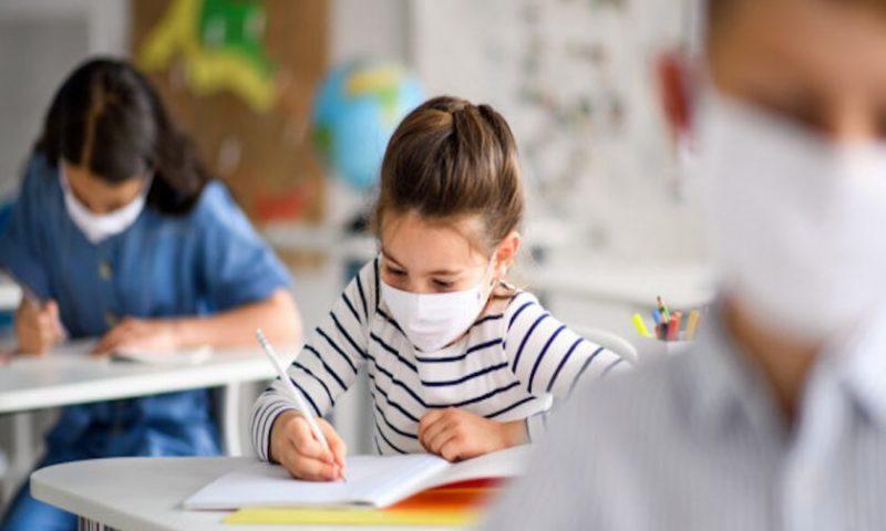 Тревога: Министър Вълчев огласи кога затварят училища заради COVID-19