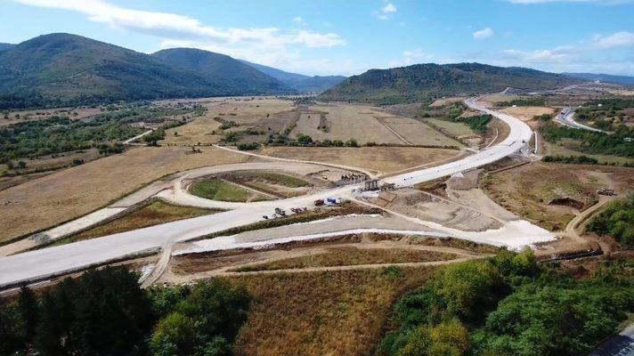 """Напредва изграждането на АМ """"Хемус"""" в участъка между Боаза и връзката с пътя Плевен – Ловеч"""