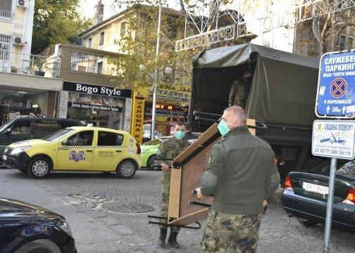 """Военни дариха легла на общинската COVID болница """"Св. Мина"""""""