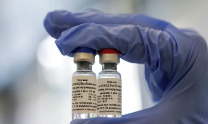 В Русия отвръщат: Нашата ваксина е на 92% ефикасна