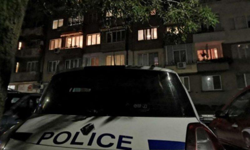 Зверска смърт в Бургас! Съпруг откри жена си мъртва в леглото