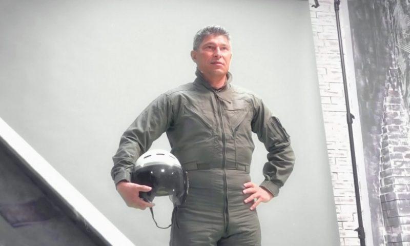 Краси Балъков в ролята на авиатор (ВИДЕО)