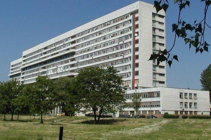 """УМБАЛ """"Свети Георги"""", на чиито стълби починаха двама: Седем служители са виновни за смъртта на пациентите"""