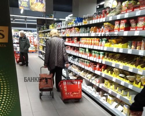 Новите коридори за пазаруване влизат в сила при 4212 заразени