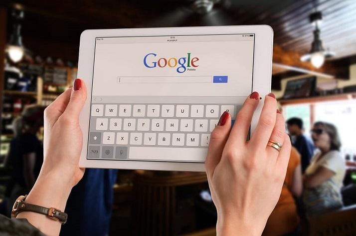 ЕК: Гугъл и Фейсбук са злодеи в мрежата