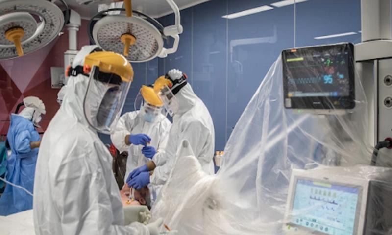 Лекари от Пловдив спасиха тежко болна с COVID-19 с нов подход