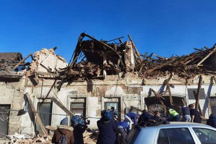 Ново по-силно земетресение от 6,4 по Рихтер удари Хърватия