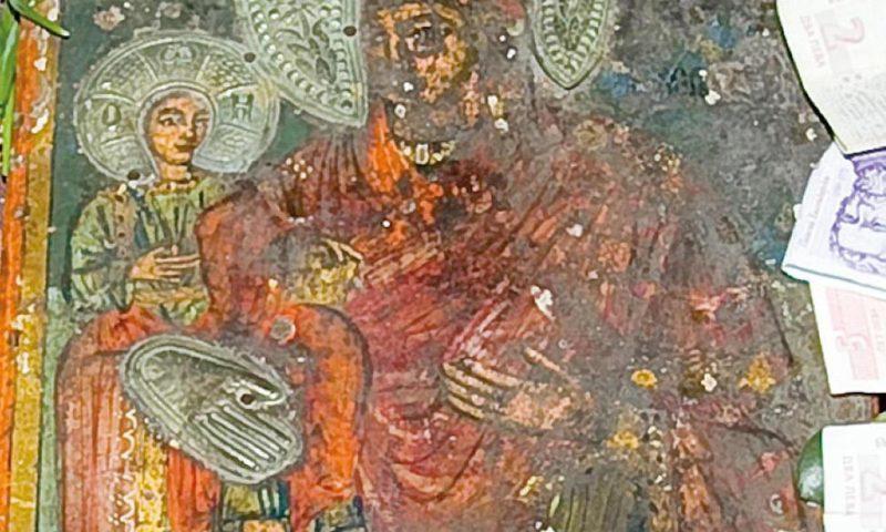 """""""Закопаната"""" Богородица лекува 340 болести"""