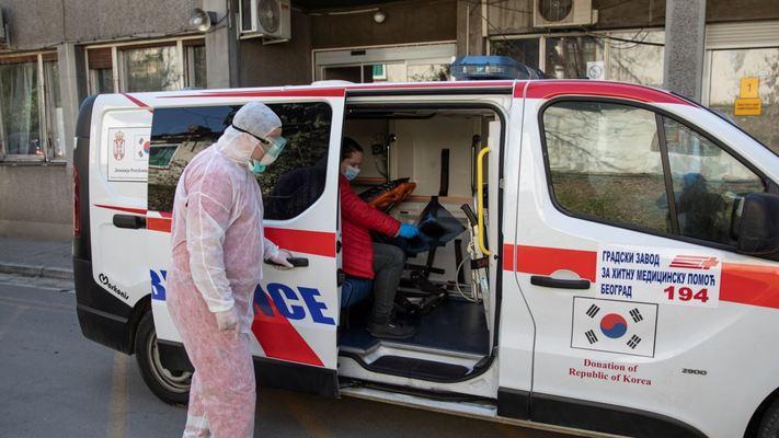 Една трета от сърбите не вярват в коронавируса