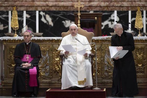 Сега се нуждаем от братство повече от всякога, заяви папа Франциск в традиционното си коледно обръщение