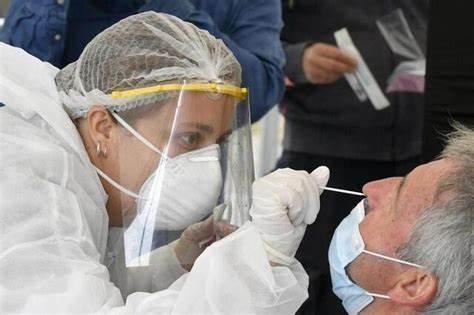 Над 70 лаборатории ще правят PCR тестове през почивните дни