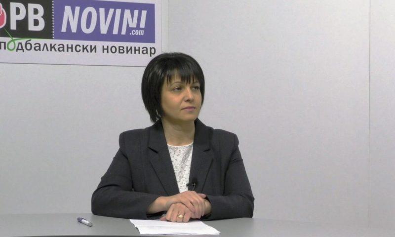 Народният представител Веска Ненчева с питане към образователния министър за закриването на чуждоезиковите паралелки в Карлово/ВИДЕО/